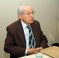 B. Calheiros Bomfim